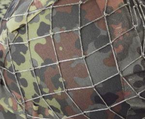 BW Stahlhelm  Netz
