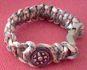 Bracelet mit Kompass & Säge