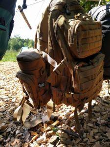 Tasche an Rucksack
