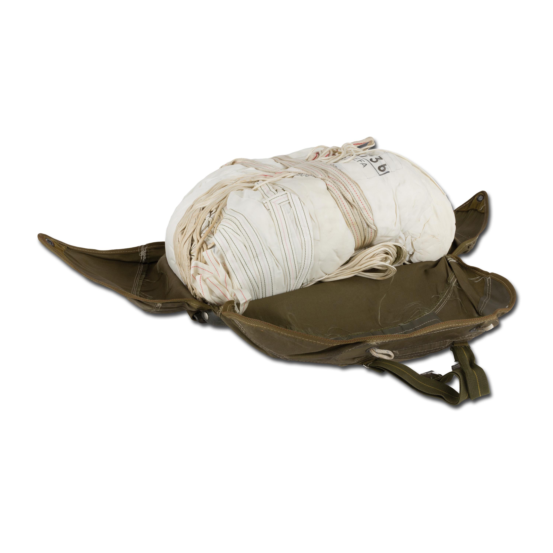 Fallschirmkappe weiß mit Tasche gebraucht