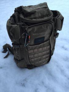 Rucksack im Schnee