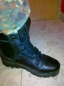 Schuhe mit BW-Hose