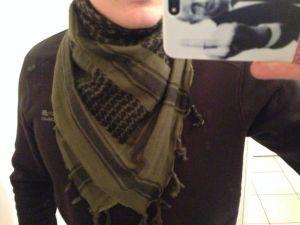 Shemagh en écharpe